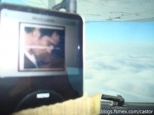 Alejandro Fernández en mi Ipod con las nubes de fondo